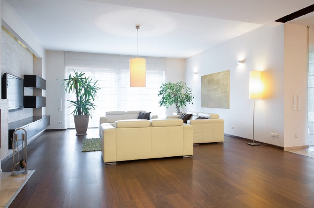5 Benefits of Solid Oak Flooring and how can you Decorate your Home