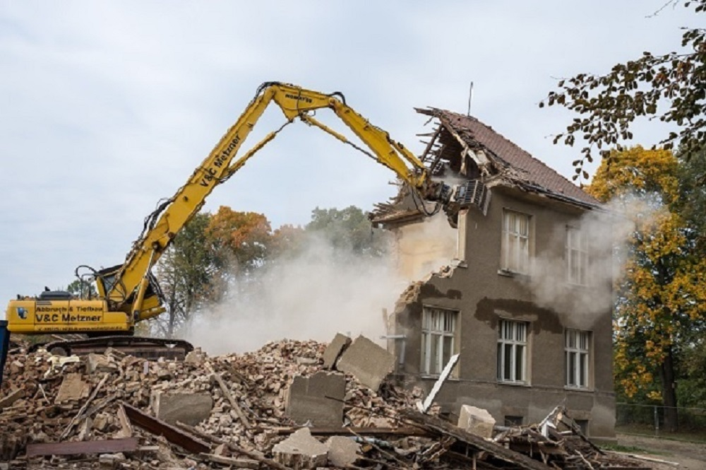 Top tips on how to find a safe domestic demolition service