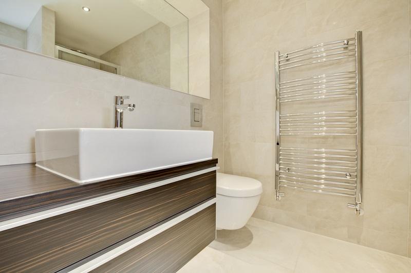 A Helpful Buying Guide for Bathroom Towel Rails