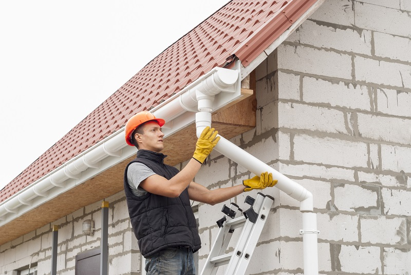 Reasons to Hire Professional for The Gutter Replacement