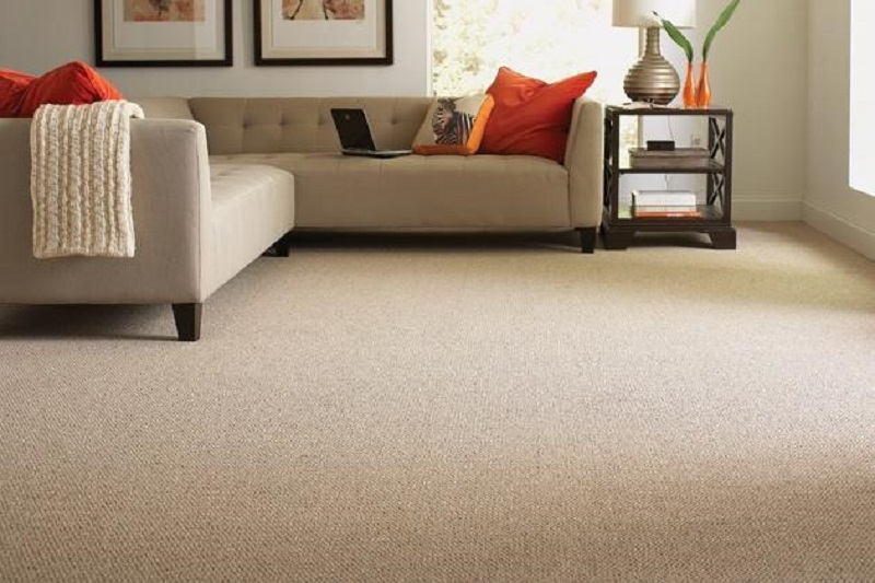 3 Tips to Find the Right Carpet Contractor