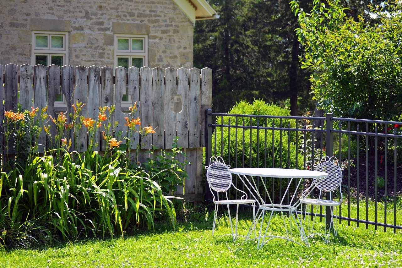 5 Ways to Make Your Backyard Feel More Private